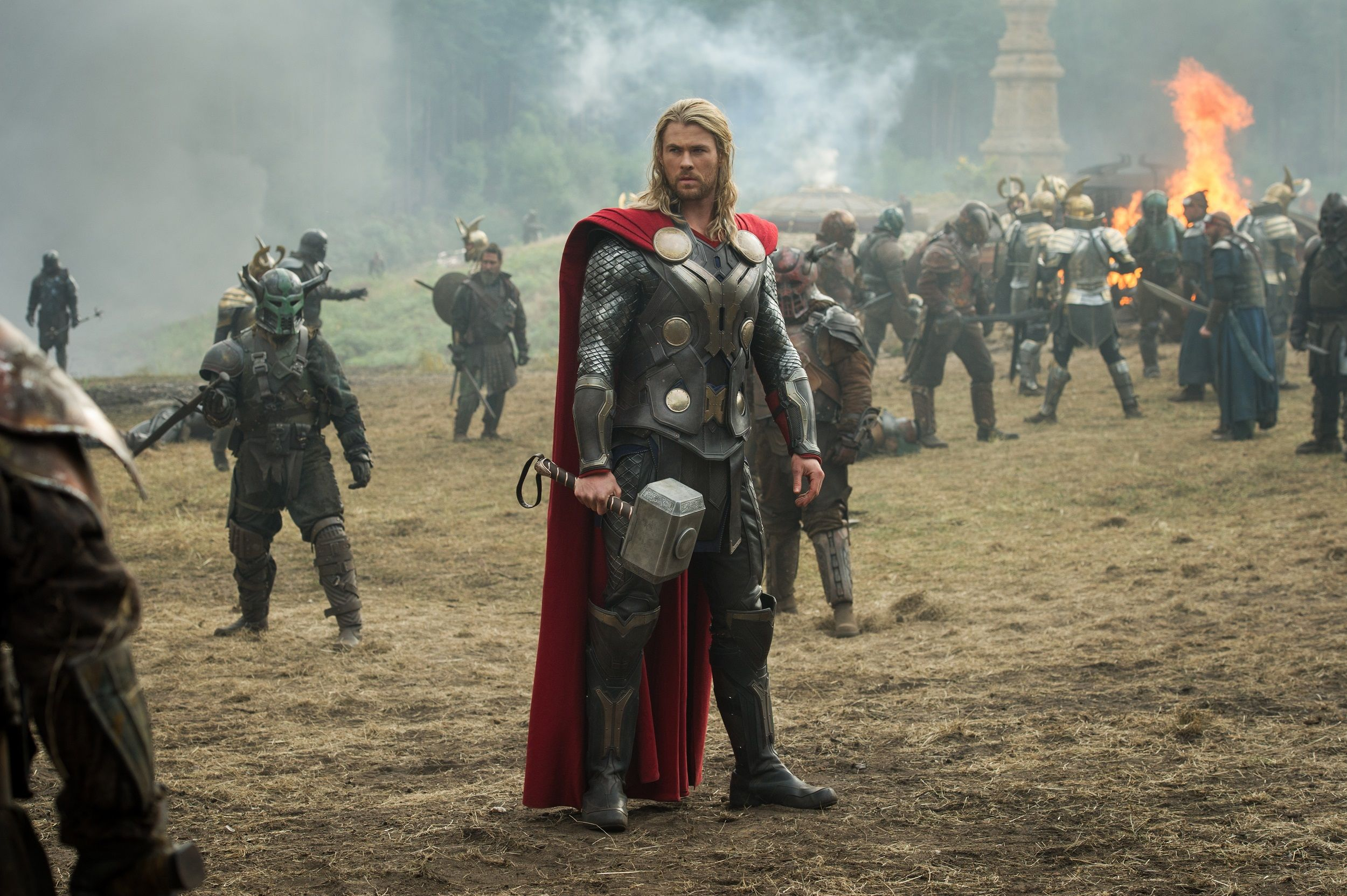 chris hemsworth talks thor 3 story becoming more superpowered. Black Bedroom Furniture Sets. Home Design Ideas