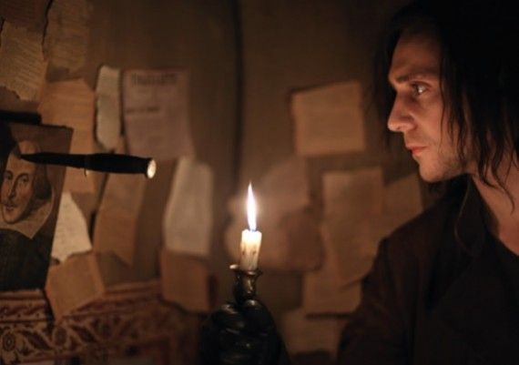 Tom Hiddleston and William Shakespeare in Only Lovers Left Alive 570x401 Tom Hiddleston and William Shakespeare in Only Lovers Left Alive