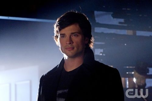 Tom Welling as Clark Kent on Smallville Smallville: Season 10 Will Be Its Last