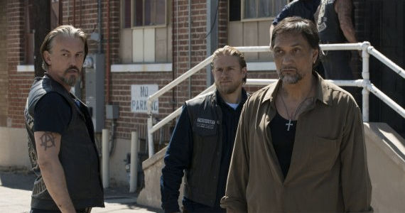 Tommy Flanagan Charlie Hunnam and Jimmy Smits in Sons of Anarchy To Thine Own Self Sons of Anarchy Season 5, Episode 11 Review – Last Chances