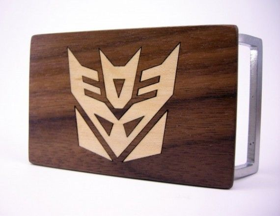 Transformers Belt Buckle 570x440 SR Geek Picks: LEGO Inception, Kid Avengers Cosplay, Walking Dead Tee Shirts & More!