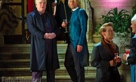 Woody Harrelson and Philip Seymour Hoffman in Hunger Games Catching Fire 280x170 Hunger Games: Catching Fire Images: Katniss, Finnick, Gale, Peeta, Haymitch & More [Re Updated]