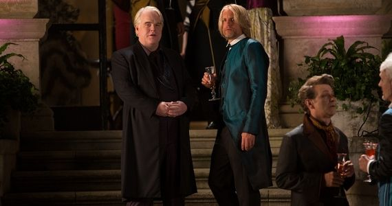 Woody-Harrelson-and-Phillip-Seymour-Hoffman-in-The-Hunger-Games-Catching-Fire.jpg