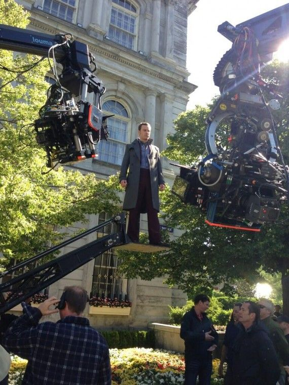 X Men Days of Future Past Michael Fassbender Hovering Official Set Photo 570x760 X Men Days of Future Past Michael Fassbender Hovering Official Set Photo