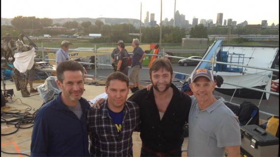 X Men Days of Future Past Wrap Photo Bryan Singer Hugh Jackman Simon Kinberg and Hutch Parker 570x321 X Men: Days of Future Past Official Image & Guardians of the Galaxy Casting Update