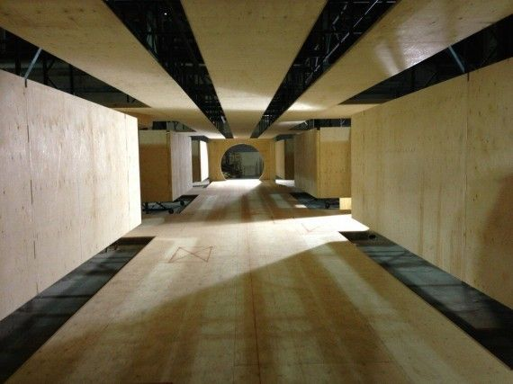 Xmen Days of Future Past Production Still Cerebro Hallway 570x427 X Men: Days of Future Past Production Image; Bryan Singer Teases Comic Con Reveal