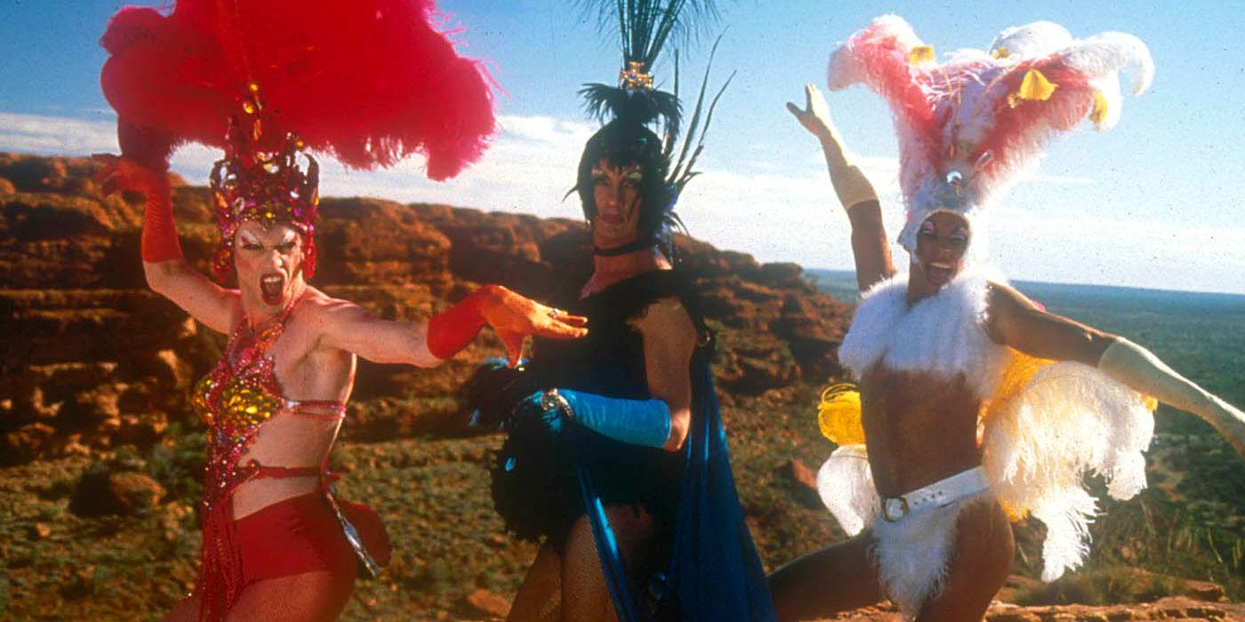 adventures of priscilla queen of the Drag queens (terence stamp, hugo weaving, guy pearce) in australian desert.