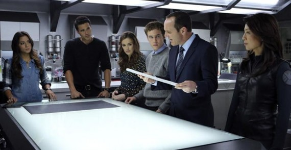 agents of shield episode 8 the well team 570x294 Agents of S.H.I.E.L.D. Star Says Coulson Explanation is Worth the Wait