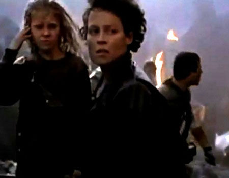 "Sigourney Weaver & Carrie Henn as Ellen Ripley & Rebecca ""Newt"" Jorden in Aliens"