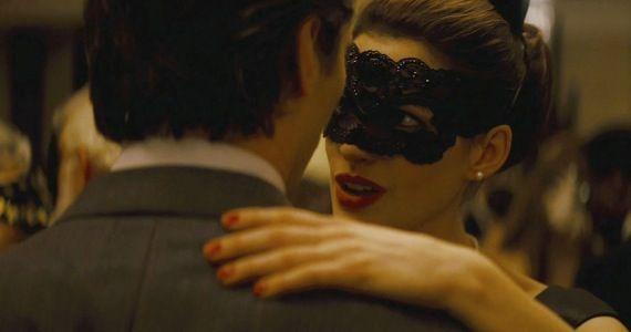 anne hathaway catwoman dark knight rises Dark Knight Rises Set Interviews: Characters, Fighting, IMAX & The New Gotham