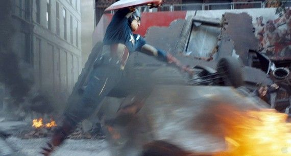avengers trailer083 570x306 Captain America in the middle of the action in The Avengers