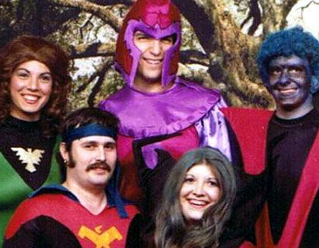 The Phoenix, Magneto, Nightcrawler, Thunderbird and Rogue pose for a picture