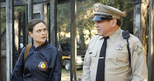 bones witch wardrobe cop Bones Producer Talks Forensics, Relationships & More