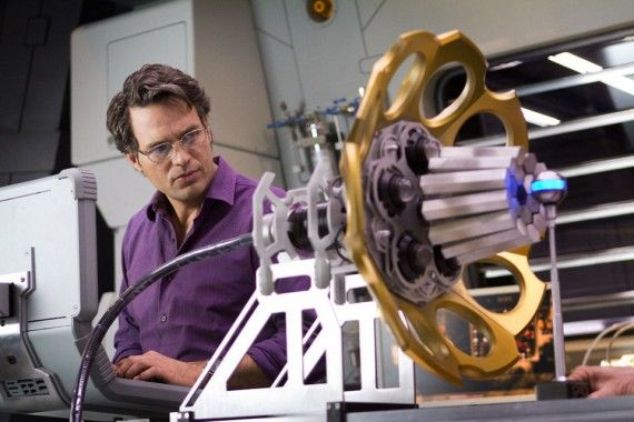 bruce banner avengers 570x380 Avengers Interviews: Superhero Politics, Smart Hulk & Marvel Movie Future