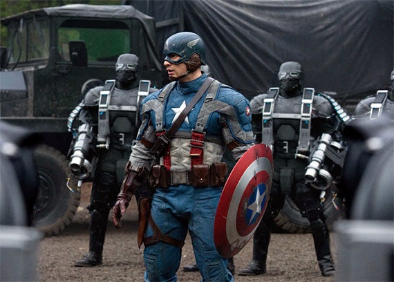 captain america chris evans1 Chris Evans in Full Captain America Costume   Official First Look [Updated]