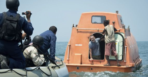 captain phillips trailer tom hanks1 Captain Phillips International Trailer Reveals More Character Details & Action