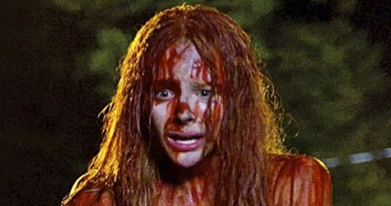 carrie remake first look First Look at Carrie Remake: Chloë Moretzs Bloody Prom & Crazy Julianne Moore