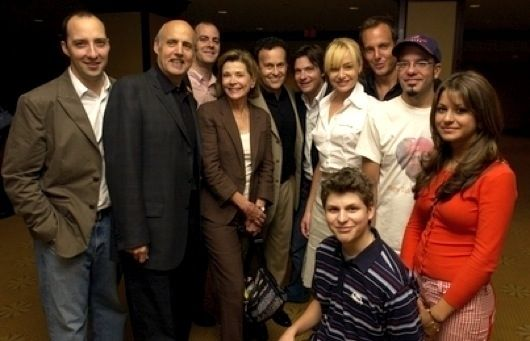 cast of arrested development movie by mitch hurwitz Arrested Development Movie Plot Revealed?
