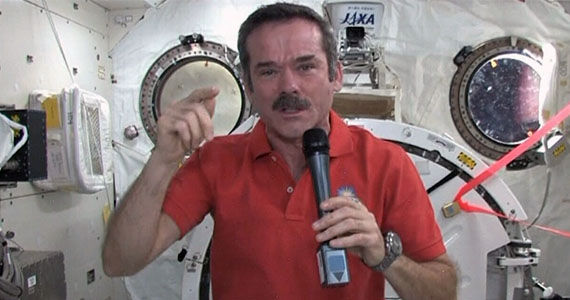 chris hadfield astronaut Watch Astronaut Chris Hadfield Return to Earth LIVE