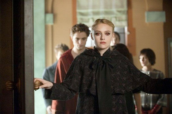 dakota fanning new moon New Moon Review