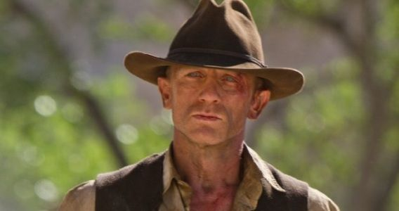 daniel craig cowboys Interview: Cowboys & Aliens Star Daniel Craig Talks Violence & Han Solo Jokes