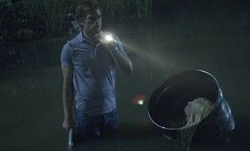 dexter 502 1904 280x170 16 Dexter Season 5 Images to Feed Your Dark Passenger