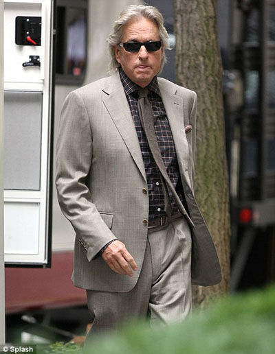 douglas wall street 2 First Look at Michael Douglas in Wall Street 2