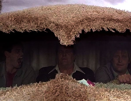 Jim Carrey, Mike Starr, & Jeff Daniels as Lloyd Christmas, Joe Mentalino, & Harry Dunne in Dumb & Dumber