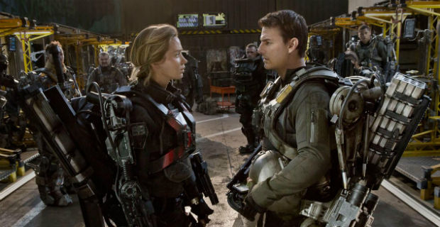 edge tomorrow tom cruise emily blunt1 Edge of Tomorrow Ending & Time Travel Explained