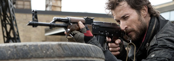 falling skies mason gun Falling Skies Season One Finale Snags Good Ratings