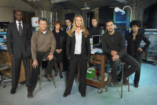 fringe jj abrams cast photo Will Fringe Push Sci Fi TV To The Edge?