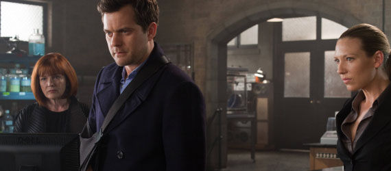 fringe season 4 finale peter bishop Fringe Season 5 Premiere Details Revealed; Jeff Pinkner Leaving Series