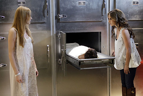 ghostwhisperer premiere Ghost Whisperer Jumps Ahead 5 Years in Season Premiere