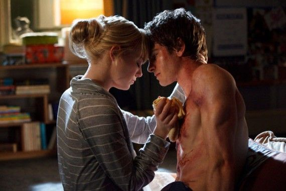 gwen stacy peter parker amazing spider man 570x380 Gwen Stacy (Emma Stone) and Peter Parker (Andrew Garfield) Amazing Spider Man
