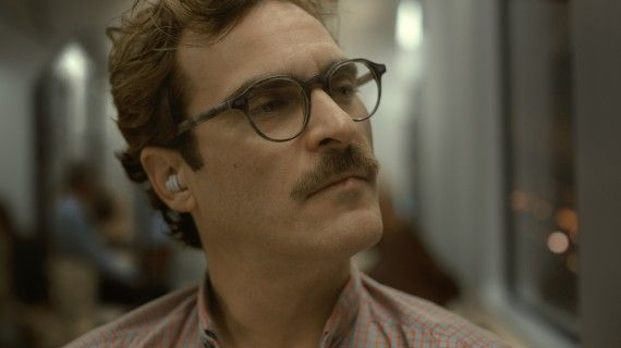 her joaquin phoenix 11 570x320 Joaquin Phoenix in the film Her