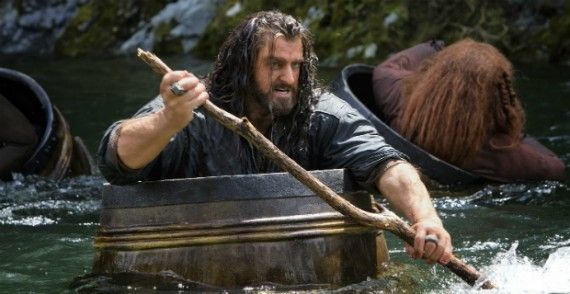 hobbit desolation smaug thorin oakenshield 570x294 The Hobbit: The Desolation of Smaug Early Reviews: A Thrilling Adventure for Tolkien Fans