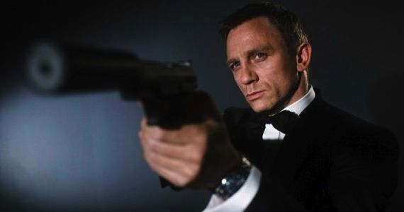 james bond daniel craig1 Daniel Craig In Talks To Portray James Bond 5 More Times