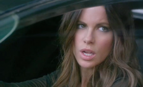 kate beckinsale hovercar total recall trailer 280x170 Total Recall Trailer: Colin Farrells A Futuristic Super Spy On the Run
