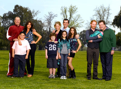 modern family promo shot FlashForward Gets Full Season Order