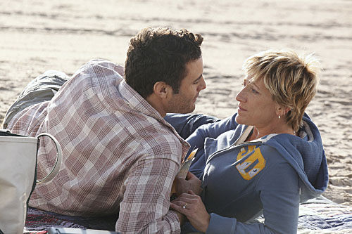 nurse jackie premiere beach Nurse Jackie: Season 2 Premiere Review & Discussion