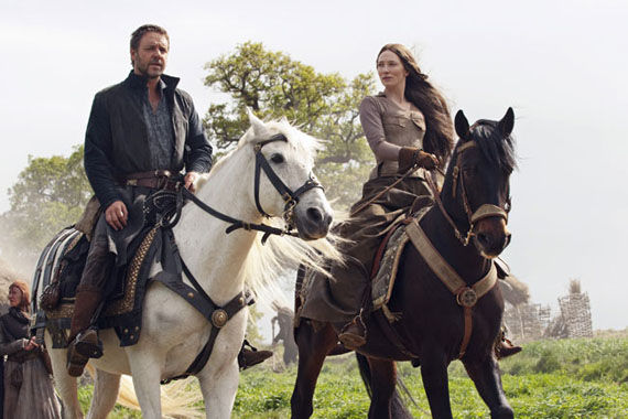 robin hood crowe and blanchett on horses New Robin Hood Stills Featuring Maid Marian