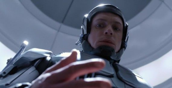 robocop movie 2014 joel kinnaman 570x294 RoboCop International Trailer: The Rebirth of Alex Murphy