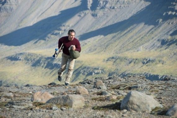 secret life walter mitty trailer 570x379 The Secret Life of Walter Mitty with Ben Stiller
