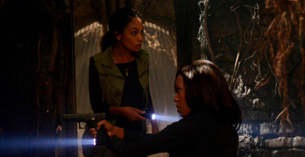 sleepy hollow season 1 episode 6 abbie jenny Sleepy Hollow Forces Ichabod to Face His Sins
