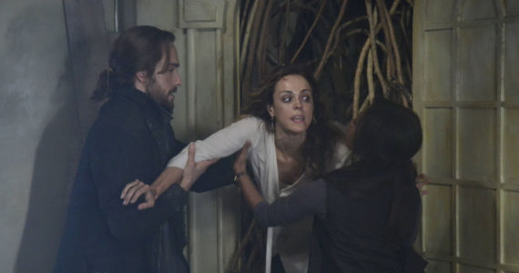 sleepy hollow season 1 episode 9 abbie ichabod Sleepy Hollow Serves Thanksgiving in a Haunted House