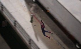 spider man swinging 4 280x170 Spider Man Set Photos & Video Show Close Up Web Slinging Action