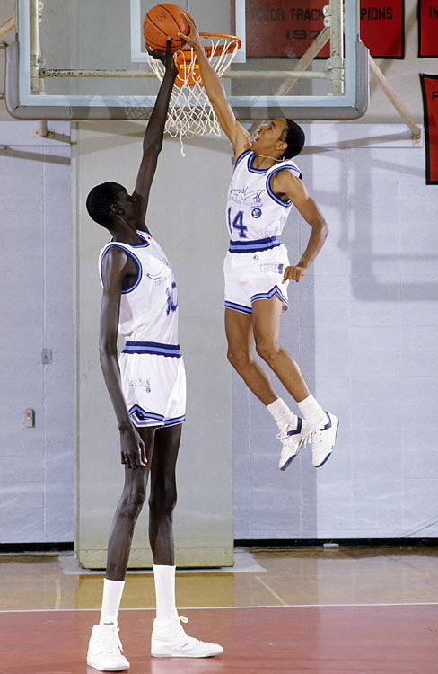 spud webb manute bol Toy Story 3 Joins the Elite Billion Dollar Box Office Club