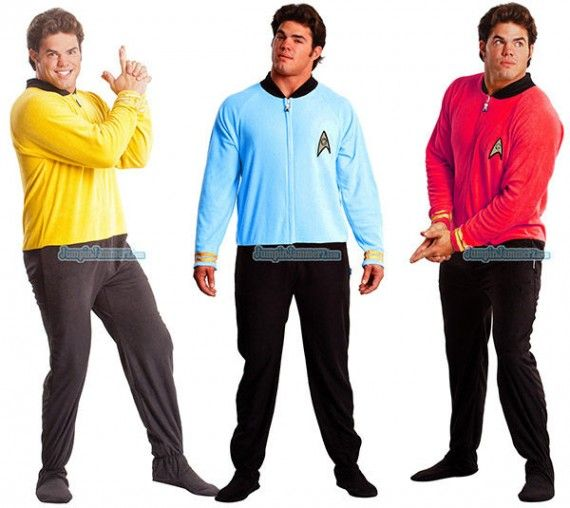 star trek pajamas 570x508 SR Geek Picks: Bad Lip Reading New Moon, Deadpool & Boba Fett BFFs, Real Up House & More!
