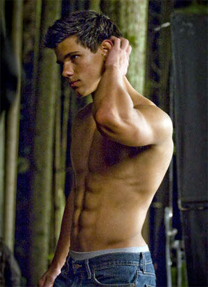 taylor lautner new moon abs Twilight Breaking Dawn Movie: Rated R & Minus Lautner?
