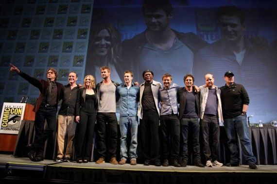 the avengers cast comic con 2010 570x380 The Avengers cast at Comic Con 2010